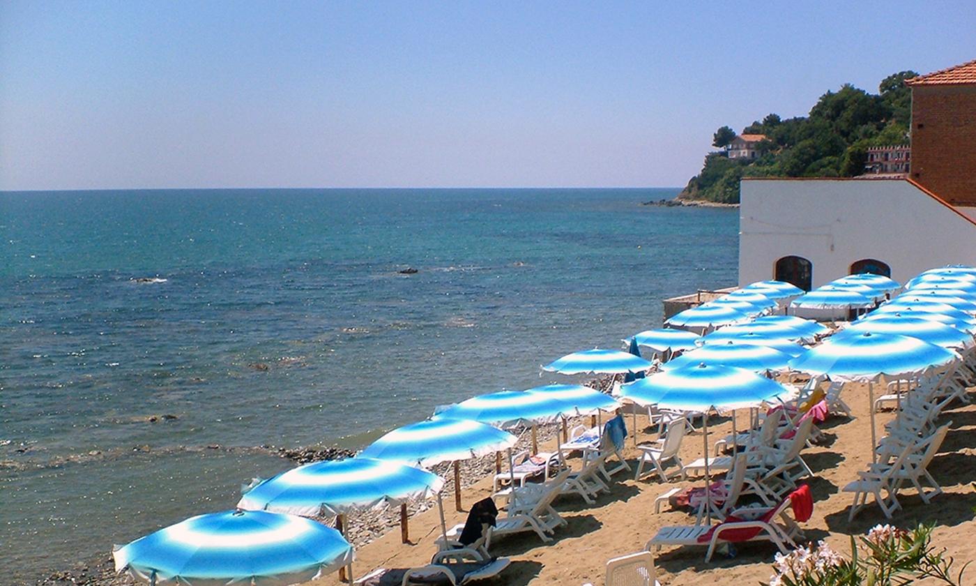 Piscina E Spiaggia Hydra Club